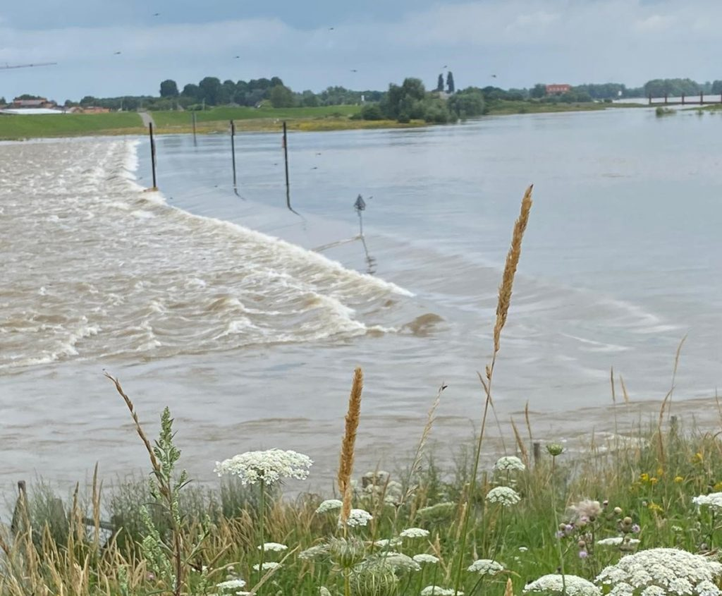 Controlled flooding through a bypass canal along the Waal river, Nijmegen, Netherlands ©Zoran Vojinovic